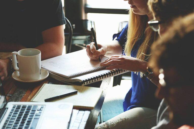creación contenido online marketing reunion