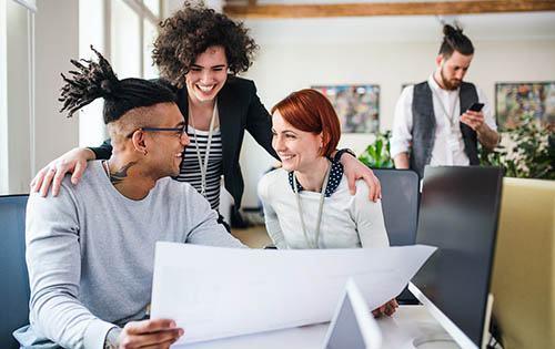 oficina, profesionales, sonreir, jóvenes, trabajo, empleo, trabajadores