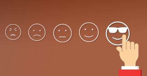 score, experiencia cliente, satisfacción, iconos cara, dedo, mano,