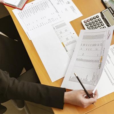 papeleo, hojas, finanzas, emprendedores, licitaciones, tenders, hoja de cálculo
